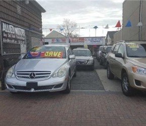 cars-new-hyde-park-united-states.jpg